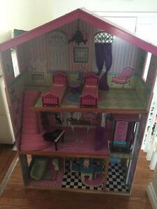 Doll house Cambridge Kitchener Area image 1