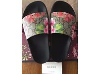 Gucci Sandals / slides