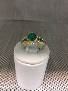 9ct gold dress ring with green stone - size O Logan Central Logan Area Preview