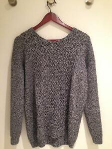 Aritzia Babaton Sweater - Medium