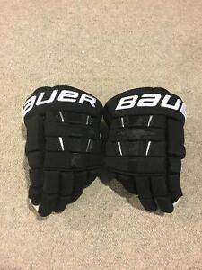 "Bauer 4 Roll Pro Gloves- Black 13"" Cambridge Kitchener Area image 1"
