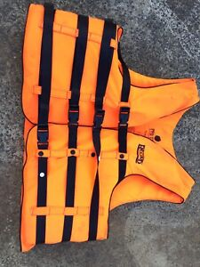 Record adult life jacket PFD Engadine Sutherland Area Preview