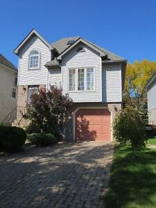 3BR and 3Bath single house at good location available Sept 1st.