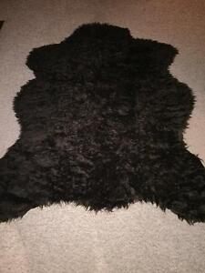 Faux bear skin accent rug Stratford Kitchener Area image 1