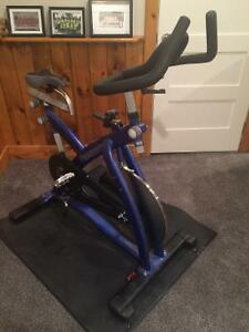 Like NEW spin bike! London Ontario image 2