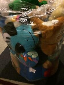 Excellent Condition: A Huge Bag of Assorted Stuffed Animals