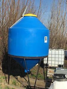 Grain /feed bin