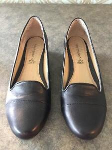Hush puppies woman's shoes size 7.5