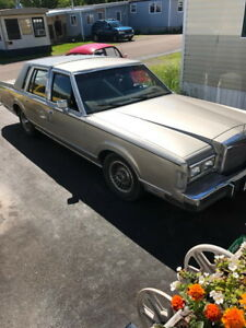 1988 Lincoln Town Car Full Load Good Condition Price $3500.00 Pl