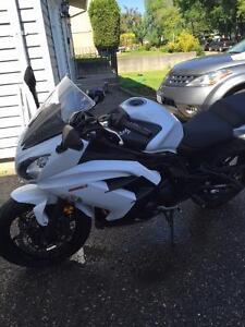 2013 Kawasaki Ninja 650 Sport Bike. Prince George British Columbia image 3
