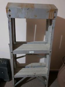Aluminum three step ladder Edens Landing Logan Area Preview