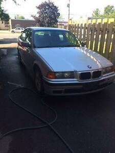 1998 BMW 3-Series Black Sedan