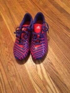 Mens size 9 adidas predito soccer cleat - NEVER WORN -