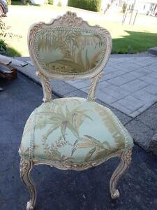 Chaise stype antique