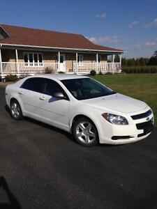 Malibu LT 2011 (Like New with LOW Millage)