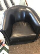 Leather reading chair Holder Weston Creek Preview