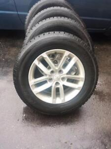 KIA SORENTO 17 INCH FACTORY OEM WHEELS WITH FUZION HIGH PERFORMANCE 235 / 65 / 17 ALL SEASON TIRES.