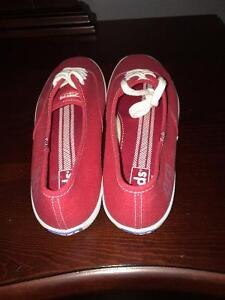 KEDS Woman's sneakers Tennis Shoes RED Size 9