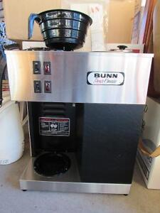 Mint Condition Bunn Pour-o-Matic Coffee Maker and Supplies! Moose Jaw Regina Area image 1