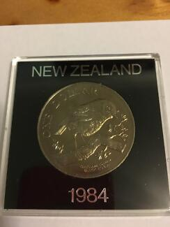 1984 NEW ZEALAND ONE DOLLAR COIN IN CASE MINT CONDITION