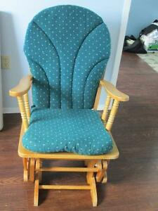 Solid Wood Rocking Chair with cushions