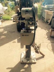 2,5 in Drill Sharpener, similar to Sterling... 550 volt 3 ph., 1/2 hp.
