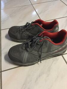 Men's steel toed work shoes