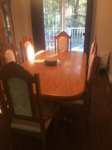 Hard wood dinning set and hutch