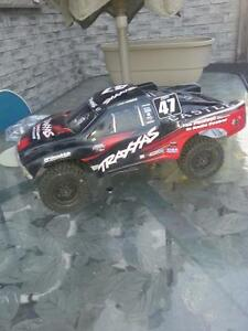 Losi sct-ten 4x4 brushless 1/10 scale with Lipo and charger