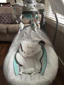 Deluxe little lamb baby swing