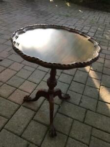Antique Round Parlour Table with Claw feet