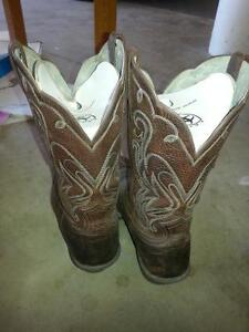 Ariat Western Boots FOR SALE Peterborough Peterborough Area image 3