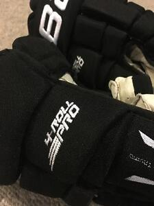 "Bauer 4 Roll Pro Gloves- Black 13"" Cambridge Kitchener Area image 6"
