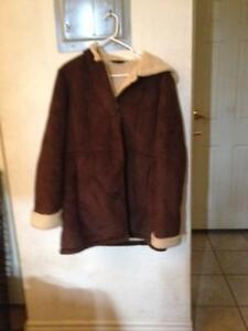 im allergic to wool so selling these 2 coats London Ontario image 3