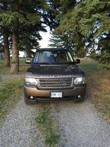 2010 Land Rover Range Rover leather SUV