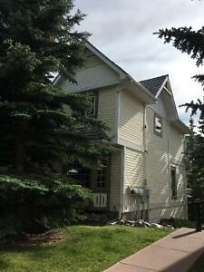 Townhome on Canmore's sunny side!