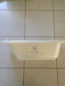Baby bath with infasecure bath supporter Carina Brisbane South East Preview