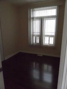 Room For Rent! Bathurst & Dundas! Downtown T_O