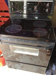 Inglis convection ceramic top oven