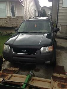2004 Ford Escape XLT SUV, Crossover( Transmission Needs Repair)
