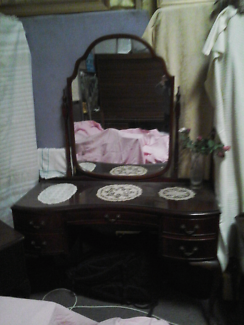 Dressing Table With Matching Bedside Tables Part 73