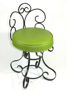 Genial Vintage Wrought Iron Chairs