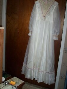 vintage wedding dress gown full length veil Alfred Angelo 14