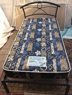 Excellent king single bed metal frame and mattress. Delivery avai