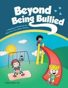 Beyond Being Bullied by Winnett, Erainna -Paperback