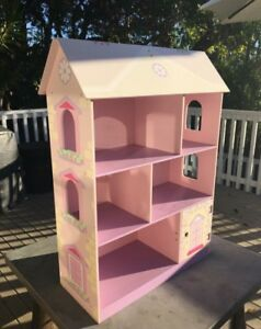 Large dolls house Balgowlah Manly Area Preview