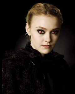 Dakota Fanning - 16x12 Large High Quality Photograph