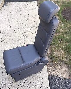 Looking for  middle seat for 2005-2010 Honda odyssey