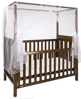 Kingparrot 4 poster 3 in 1 cot/junior bed - still so beautiful...