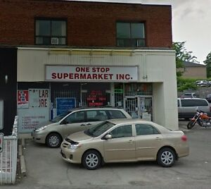 Prime Corner Location In Brampton Downtown,With Parking,Convenie
